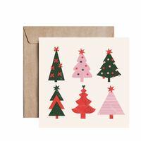 """Nowa kartka świąteczna """"Choinki"""" już na Was czeka w sklepie online i na @pakamera. Kupicie ją teraz ze zniżką na black friday, mniej aż o -30% ( taniej nie będzie 😌) A przy zakupie plakatu, możecie dobrać dowolną kartkę świąteczna, również tą💌Promocja trwa do poniedziałku, potem grafiki będą w cenie regularnej. #card #kartkaokolicznościowa #kartka #blackfriday #art #love #loveart #showyourwork #peprojektuje #wspieramypolskiemarki #designer #idąświęta #bożenarodzenie #christmas #blackfriday2020"""